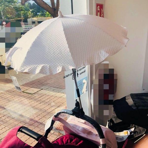 Sombrilla de RoSy Fuentes disponible en 6 colores